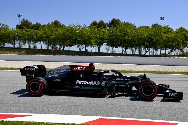 Grand Prix Hiszpanii. Lewis Hamilton dopadł Maxa Verstappena i wygrał 98. raz w karierze