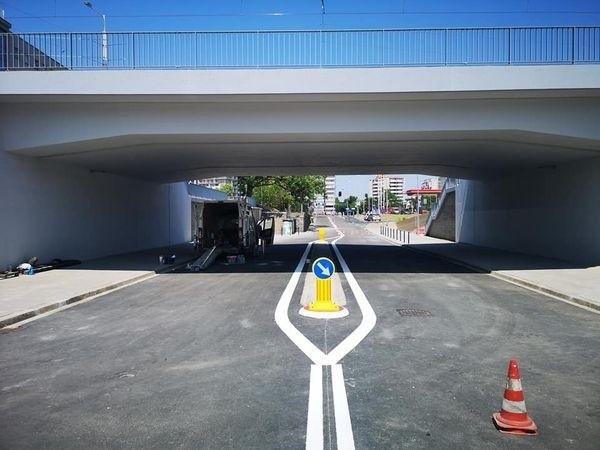 Otwarto ulicę Smolecką pod wiaduktem nowej trasy autobusowo-tramwajowej na Nowy Dwór