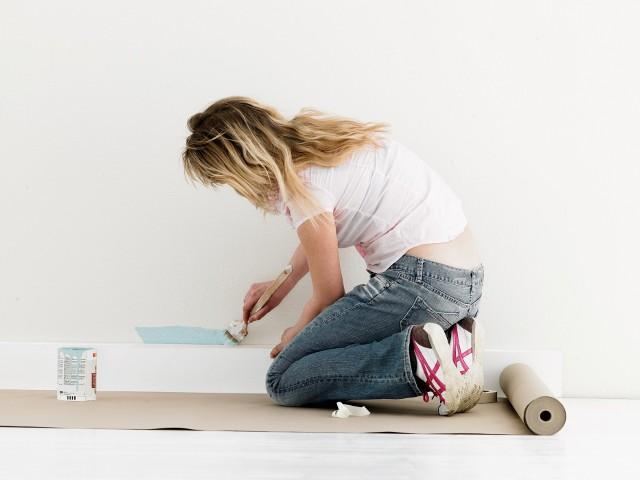 Malowanie mieszkaniaZanim chwycimy za pędzel lub wałek, zwróćmy uwagę na błędy, których powinniśmy unikać, by pomalowane mieszkanie cieszyło nasze oczy.