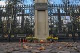 Kraków. Zamknięte cmentarze, opuszczone ulice wokół nich. Zobacz, jak to wyglądało przed rokiem [ZDJĘCIA]