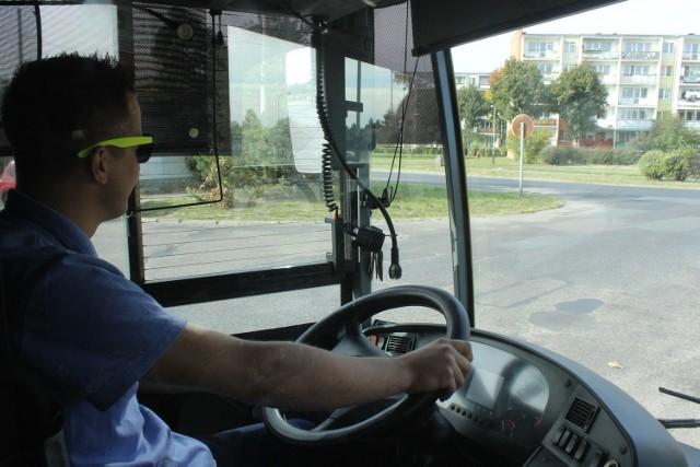 - Kierowcy autobusów- Operatorzy maszyn włókienniczych- Robotnicy budowlani- Operatorzy obrabiarek skrawających