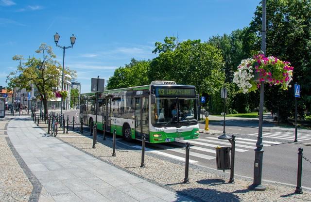 W niedzielę (22 września) będziemy obchodzić Dzień bez Samochodu. W Białymstoku można będzie auto zostawić w domu i skorzystać z bezpłatnych przejazdów autobusami komunikacji miejskiej lub rowerami sieci BiKeR. W tym dniu promowane jest korzystanie ze środków transportu bardziej przyjaznych dla środowiska.