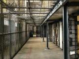 Więźniowie zakładu karnego w Słońsku zakażeni koronawirusem. Jak z Covid-19 radzą sobie w więzieniu?