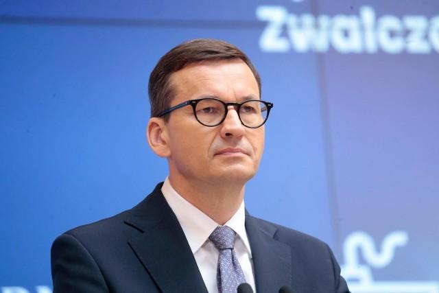 - Rodzina jest podmiotem, a nie przedmiotem polityki. Polskie państwo ma służyć rodzinom, ale też szanować autonomię i wolność rodzin oraz stać na ich straży- pisze premier.