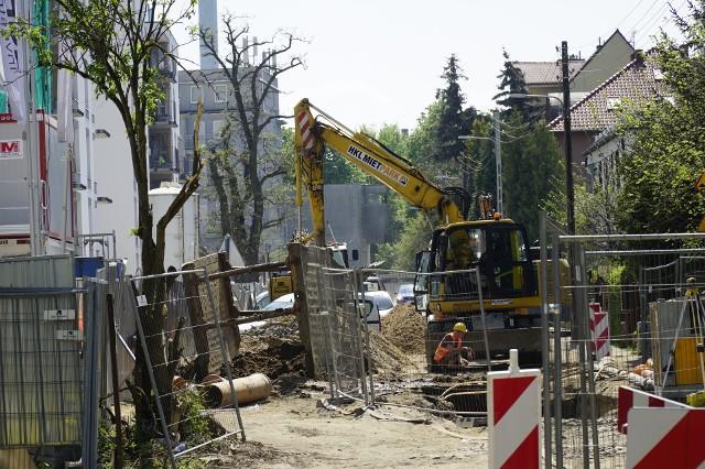 Przebudowana ulica św. Wawrzyńca ma poprowadzić ruch samochodowy jeszcze w tym roku