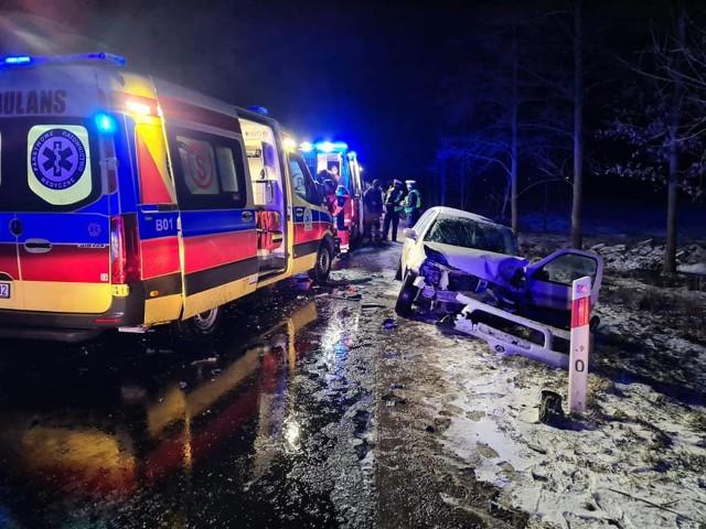 Zawady-Kolonia. Wypadek na DK 64. Dwie osoby zostały ranne
