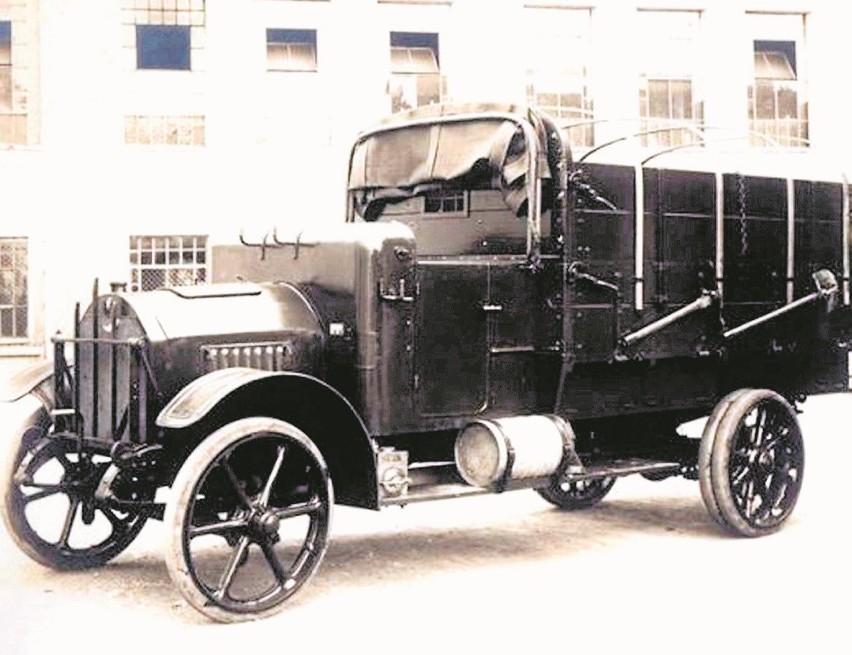Ciężarówka NW TL 2 miała czterocylindrowy silnik o poj. 3.6...