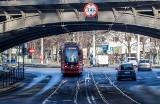Wiadukt kolejowy na al. Hallera w Gdańsku został wyremontowany. To koniec ze zrywaniem trakcji!