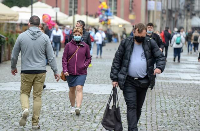 Prawie 1 500 mieszkańców Pomorza ukaranych w święta mandatami za brak maseczki