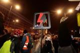 Przemoc wobec uczestników Strajku Kobiet eskaluje. Pobicia w Warszawie okiem organizatorek