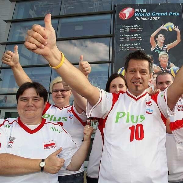 - Naszej reprezentacji będziemy kibicować jeszcze mocniej niż ukochanemu klubowi - obiecują członkowie klubu kibica Asseco Resovii.