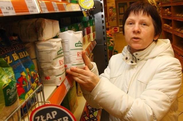- Wszystko tak zdrożało, że w sklepach szukam tylko niskich cen - mówi Irena Michalska. - A niebawem ma być jeszcze gorzej. (fot. KS)