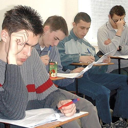 Giełda pracy może być pomocna wielu studentom w znalezieniu zatrudnienia podczas nauki lub po jej zakończeniu.