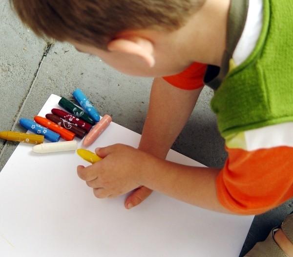 W zabawach logopedycznych mogą wziąć udział dzieci w wieku  od 5 do 8 lat.