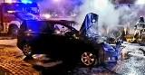Samochód zaczął się palić w czasie jazdy na autostradzie A4 pod Wrocławiem. Kierowca zdążył zjechać na MOP [ZDJĘCIA]