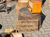 """Białystok. Giełda staroci przed klubem """"Krąg"""". Zobacz, co interesującego można było tam kupić w niedzielę 11.04.2021 (zdjęcia)"""