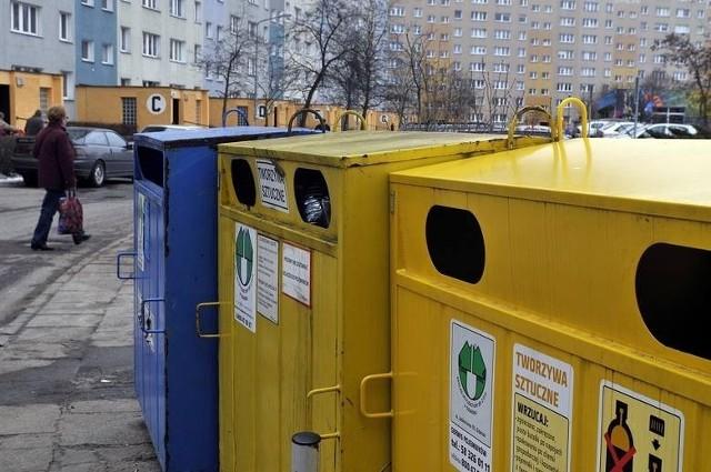 """W Chojnicach Sita zarobi mniej. """"Zaoszczędzone"""" przez gminę 45 tysięcy złotych ma zostać przeznaczone na zakup pojemników na śmieci."""