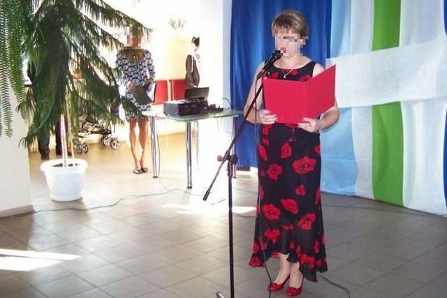 Dyrektorka Barbara R. podczas rozpoczęcia roku szkolnego 2013/2014
