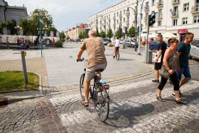 Właśnie rozpoczęła się trzecia edycja ogólnopolskiej zabawy, która wyłoni Rowerową Stolicę Polski 2021. Akcja potrwa do końca miesiąca.Urząd Miejski w Białymstoku zachęca do udziału w bezpłatnej inicjatywie na rzecz naszego miasta. Zdjęcie archiwalne.