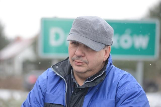 Dariusz Tarnas, przewodniczący rady, zwraca uwagę na braki w gminnej infrastrukturze