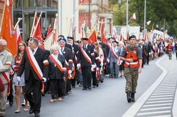 Koncert na stadionie będzie preludium do zaplanowanego na 11 września XV Marszu Żywej Pamięci Polskiego Sybiru. Wejściówki na stadion w cenie 10 zł będą do kupienia w kasie kina Forum lub przez stronę internetową BOK