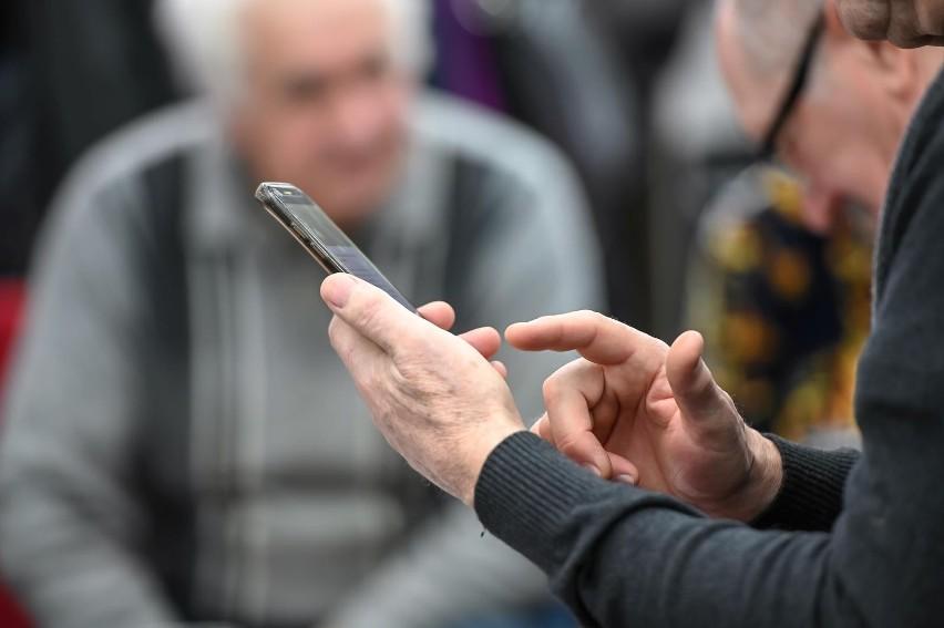 Opłata reprograficzna od smartfonów budzi sprzeciw. Padają...