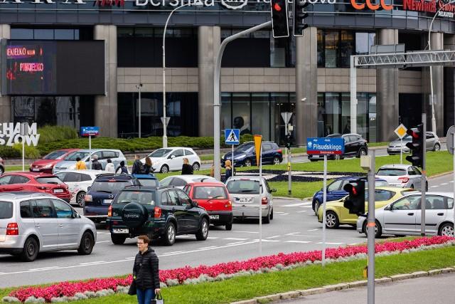 Blokowanie skrzyżowań, w godzinach szczytu, to codzienność w Rzeszowie.