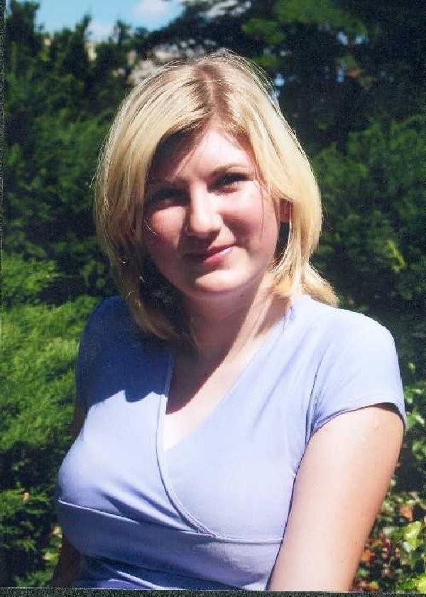 Magdalena Kuc, lat 16 z Piecewa (gmina  Biskupiec), uczennica Zespołu Szkół  Zawodowych w Czachówkach. Uwielbia słuchać  muzyki techno,  lubi podróże.