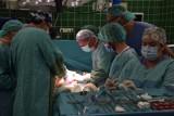 Pierwsze w Polsce operacje z wykorzystaniem nowoczesnego urządzenia do leczenia raka żołądka czy jelita grubego