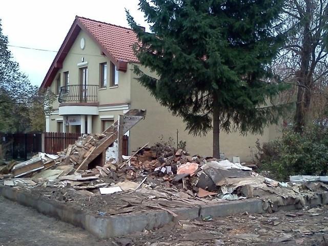 Dom zburzony na Bojarach.