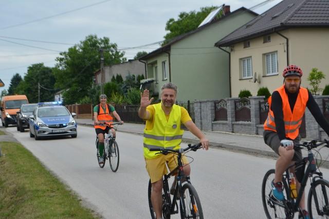 """13. Turystyczny Rajd Rowerowy """"Po małogoskiej ziemi"""" za nami. Wzięło w nim udział ponad 80 miłośników dwóch kółek."""