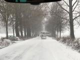 Atak zimy: Sporo śniegu, silny wiatr i mróz. Fatalne warunki na drogach!