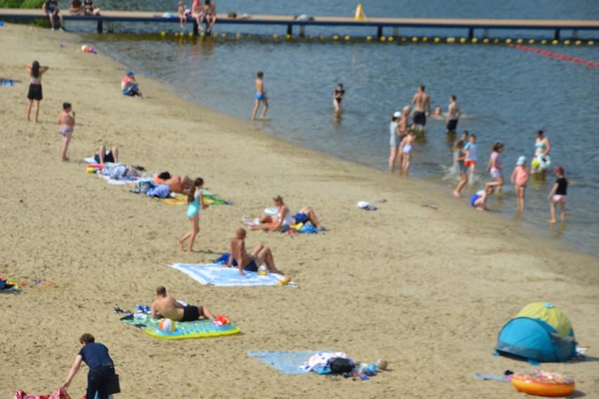 Plaża oraz kąpielisko nad skierniewickim zalewem są chętnie...
