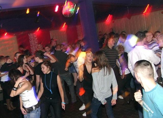 Zdjecia z sobotniej imprezy w slupskim klubie Kameleon.