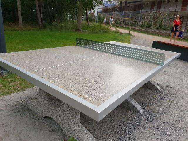 Radni Marcin Wroński i Maciej Basiński zaproponowali władzom Inowrocławia montaż plenerowych stołów tenisowych