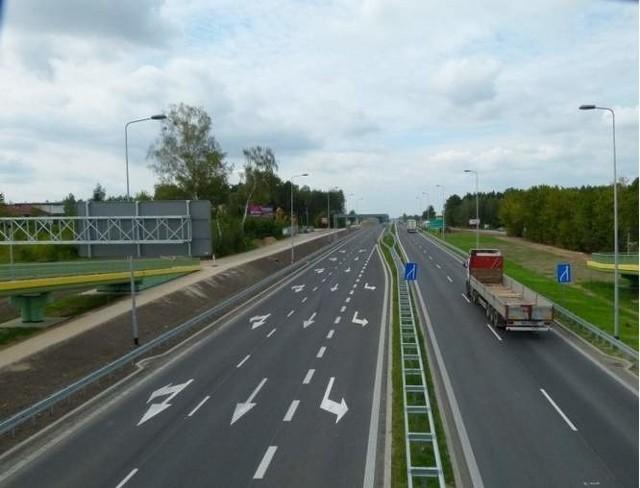 Budowa ekranów akustycznych na trasie Białystok - Jeżewo to inwestycja, która ciągnie się od 2 lat.