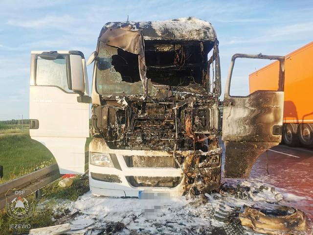 Pożar ciężarówki na trasie S8. Droga była zablokowana