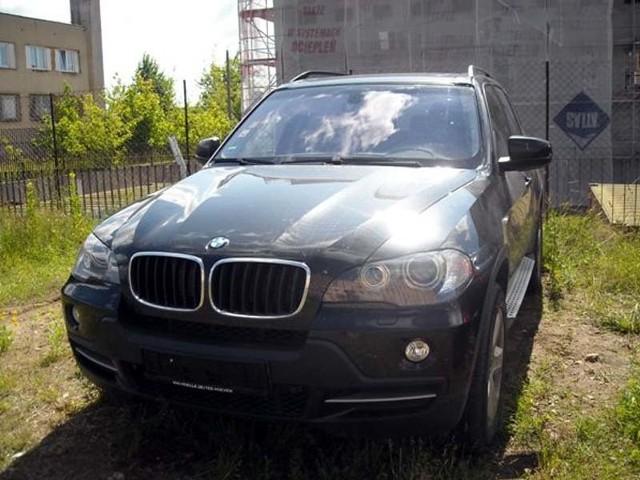 Policjanci wycenili BMW X5 na około 170 tys. zł