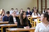 Egzamin gimnazjalny i ósmoklasisty. Z polskim i angielskim nie jest aż tak źle, z matematyką - słabo
