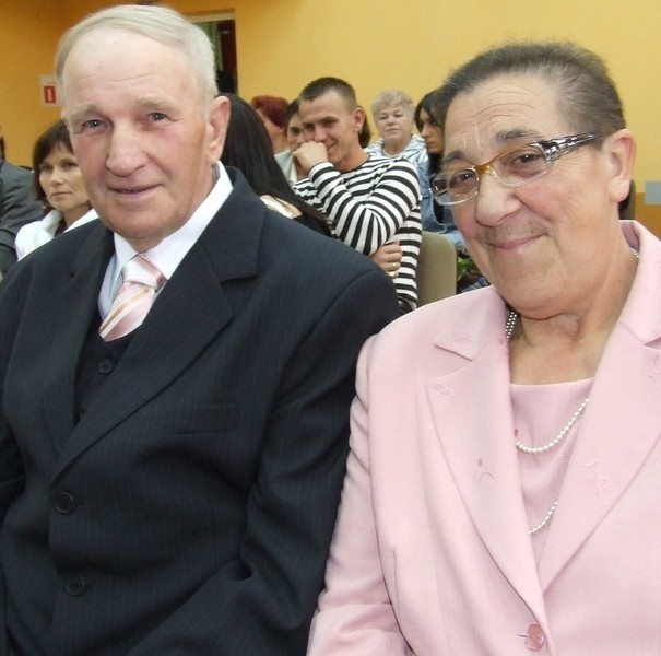 Władysław i Weronika Kaniowie z Szymocina przeżyli ze sobą 50 lat. Cieszą się z medali od prezydenta.