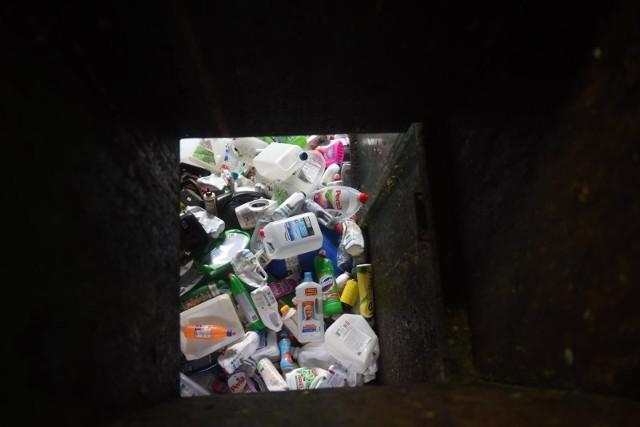 """Zdaniem Ozdoby w Warszawie mamy do czynienia z """"pewną zapaścią inwestycyjną w zakresie gospodarki odpadami""""."""