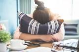To nie jest chroba jedynie bohaterek romansów. Migrena potrafi poważnie utrudnić codzienne funkcjonowanie