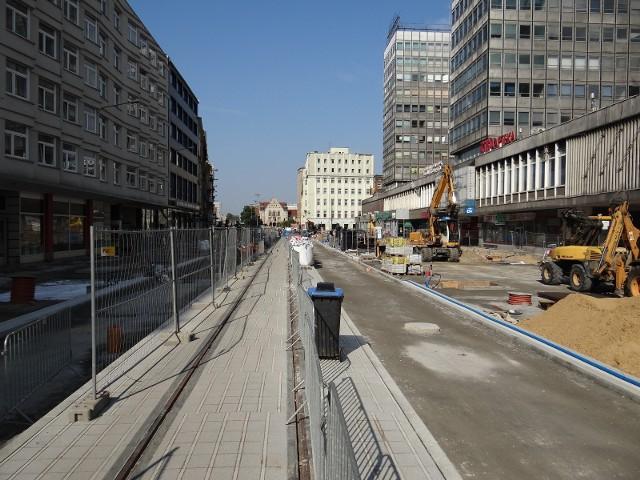 Tak wygląda plac budowy na ulicy Święty Marcin na początku września.SPRAWDŹ TEŻ: MPK Poznań: Od września bezpłatna komunikacja, zimowy rozkład jazdy, nowe linie i przystanki