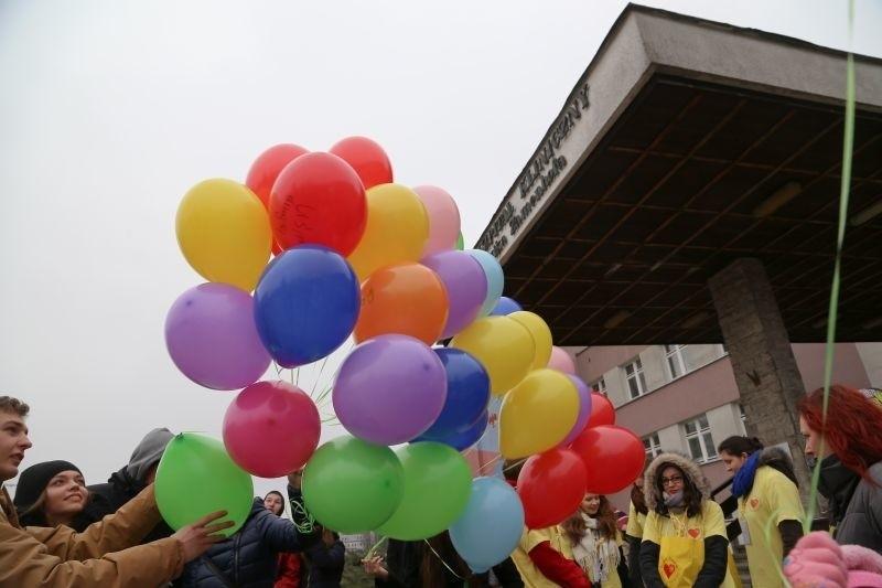 Białostocka Fundacja Pomóż Im ogłosiła konkurs na nazwę, którą można trafnie określić osoby po wygranej w dzieciństwie walce z nowotworem.