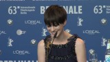 Anne Hathaway przytyła w ciąży i... jest z tego zadowolona [WIDEO]