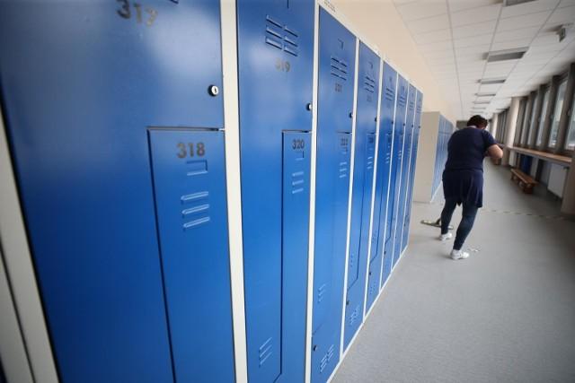 Wczoraj na Podkarpaciu było 39 szkół i przedszkoli z zawieszonymi zajęciami stacjonarnymi, a dziś już 56!