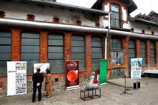 Na Łasztowni w Szczecinie wbito pierwszy gwóźdź