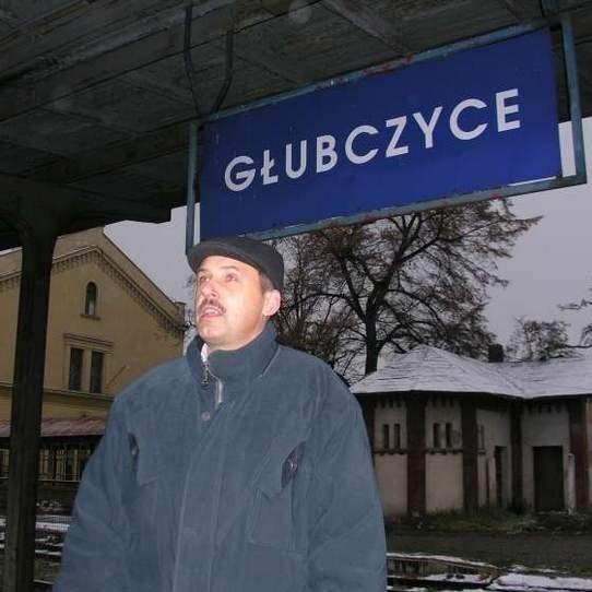- Kolej jest u nas od 1876 roku - wyjaśnia Piotr Kopczyk z Głubczyc. - Teraz też na pewno miałby kto jeździć pociągami.