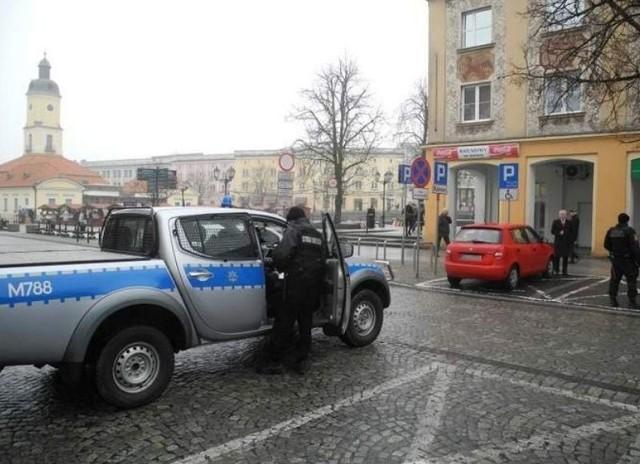 Jan Dobrzyński zaparkował na miejscu dla niepełnosprawnych