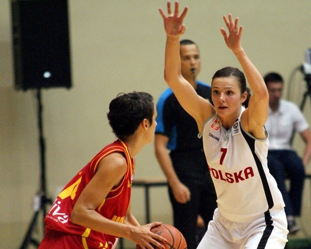 Agnieszka Szott-Hejmej, ze względu na grę w kadrze i urlop, później dołączyła do zespołu, ale szybko nadrabia braki